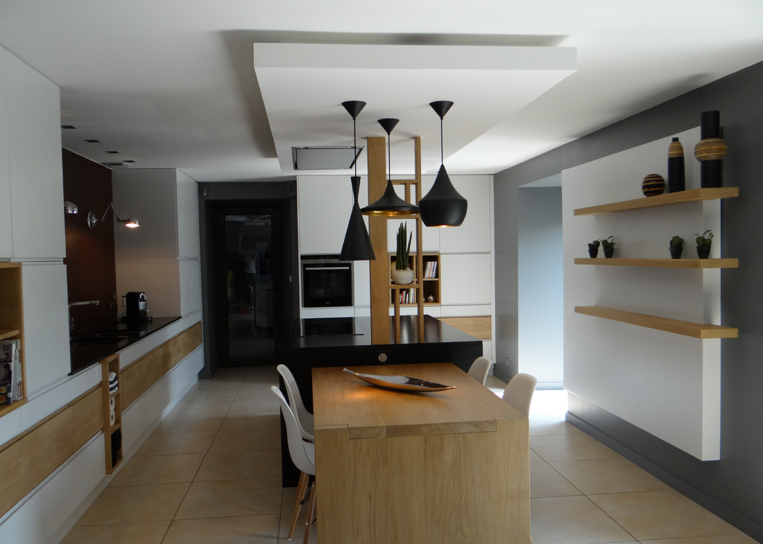 Une cuisine xxl un amour de maison stephane lapouble for Fixation faux plafond suspendu
